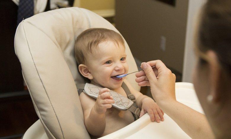 Photo of متى يتم ادخال الطعام للطفل الرضيع-اول طعام للطفل الرضيع