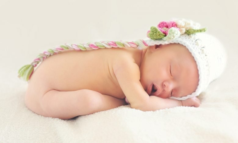 """Photo of """"فوائد الرضاعة الطبيعية للأم والطفل 🤱 – فوائد مذهلة لم تعرفيها من قبل"""
